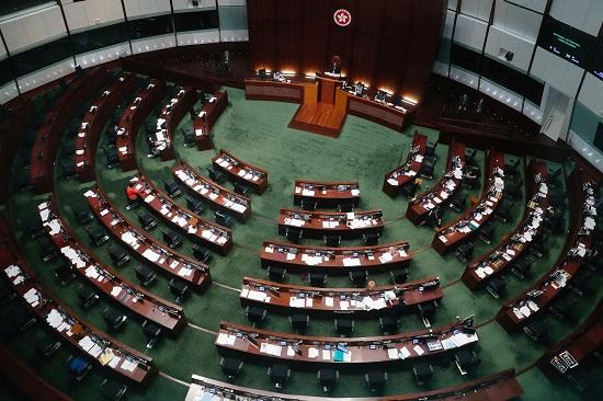 إخلاء البرلمان