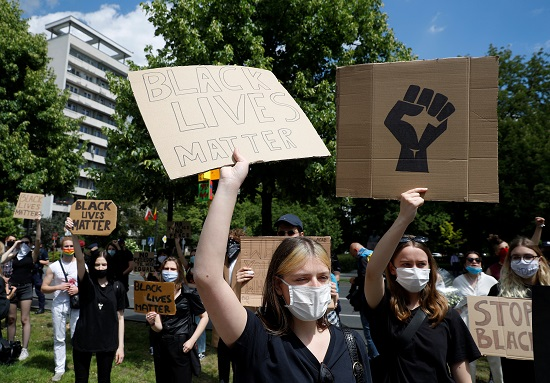 احتجاجات ضد مقتل فلويد