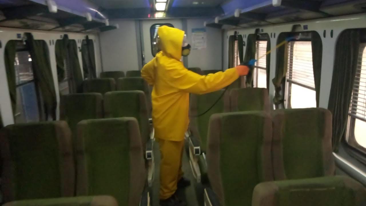 السكة الحديد تواصل أعمال تعقيم المحطات والقطارات ضد كورونا (13)