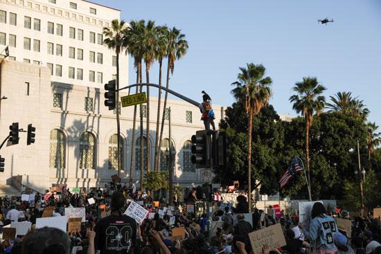 متظاهرون فى لوس أنجلوس