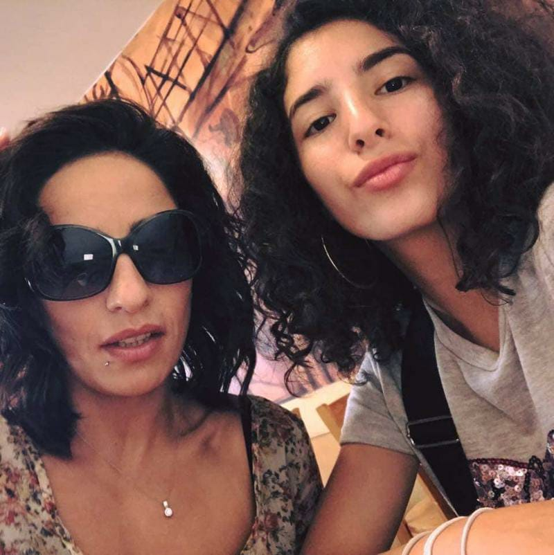 لينا الفيشاوى ووالدتها
