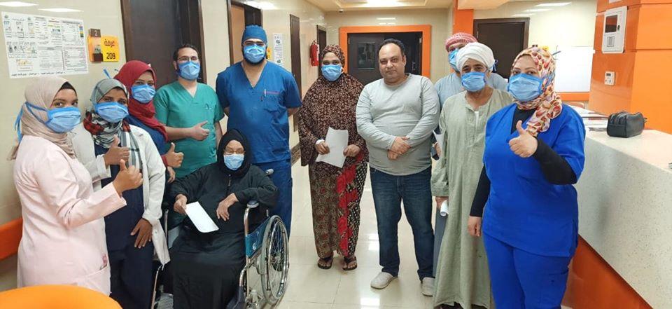 الفرحة تعم مستشفى إسنا بخروج 28 حالة صباحاً