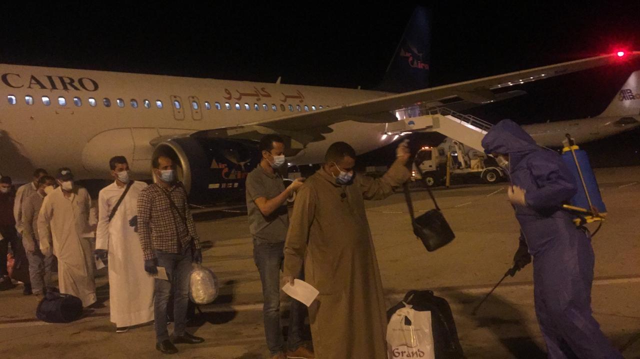 جانب من وصول العالقين بالخارج لمرسى علم (2)