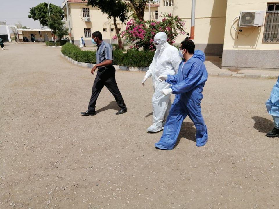 جانب من متابعة العمل بمستشفى الحميات