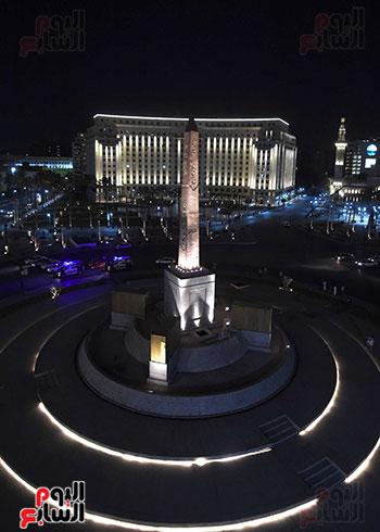 رئيس الوزراء يتفقد المرحلة النهائية لمشروع إضاءة ميدان التحرير بعد تطويره (10)