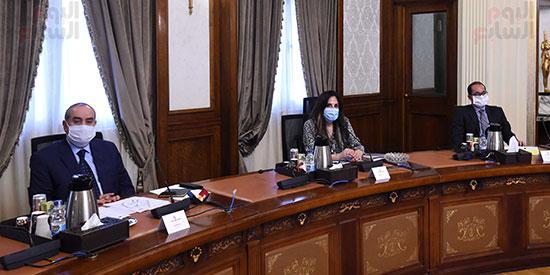 اجتماع المجموعة الاقتصادية  (4)