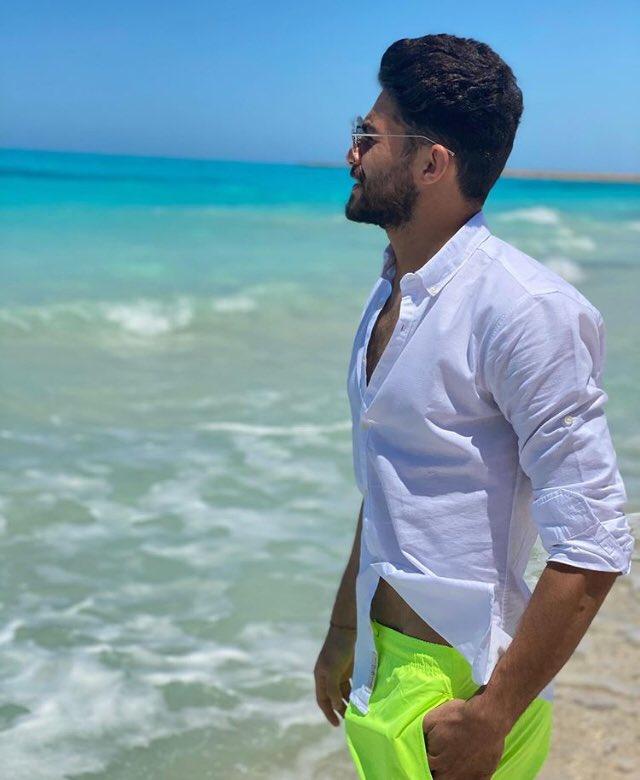 ياسر ابراهيم على الشاطئ