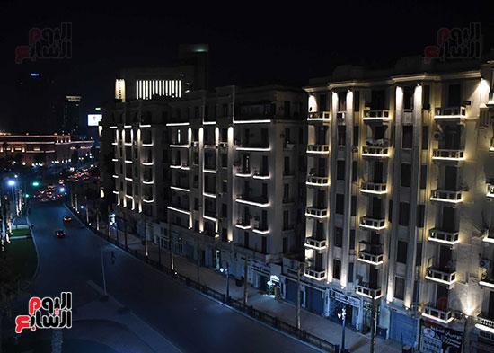 رئيس الوزراء يتفقد المرحلة النهائية لمشروع إضاءة ميدان التحرير بعد تطويره (13)