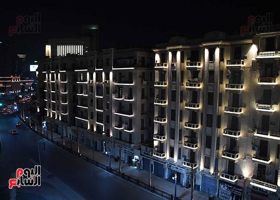 رئيس الوزراء يتفقد المرحلة النهائية لمشروع إضاءة ميدان التحرير بعد تطويره (14)