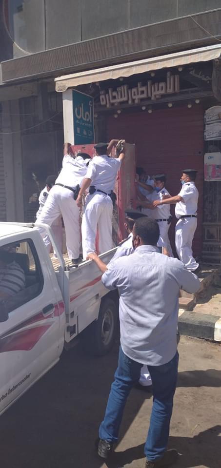 حملة مكبرة لإزالة ورفع الإشغالات بشارع الجلاء فى طنطا (6)