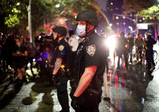 احتجاجات ليلية