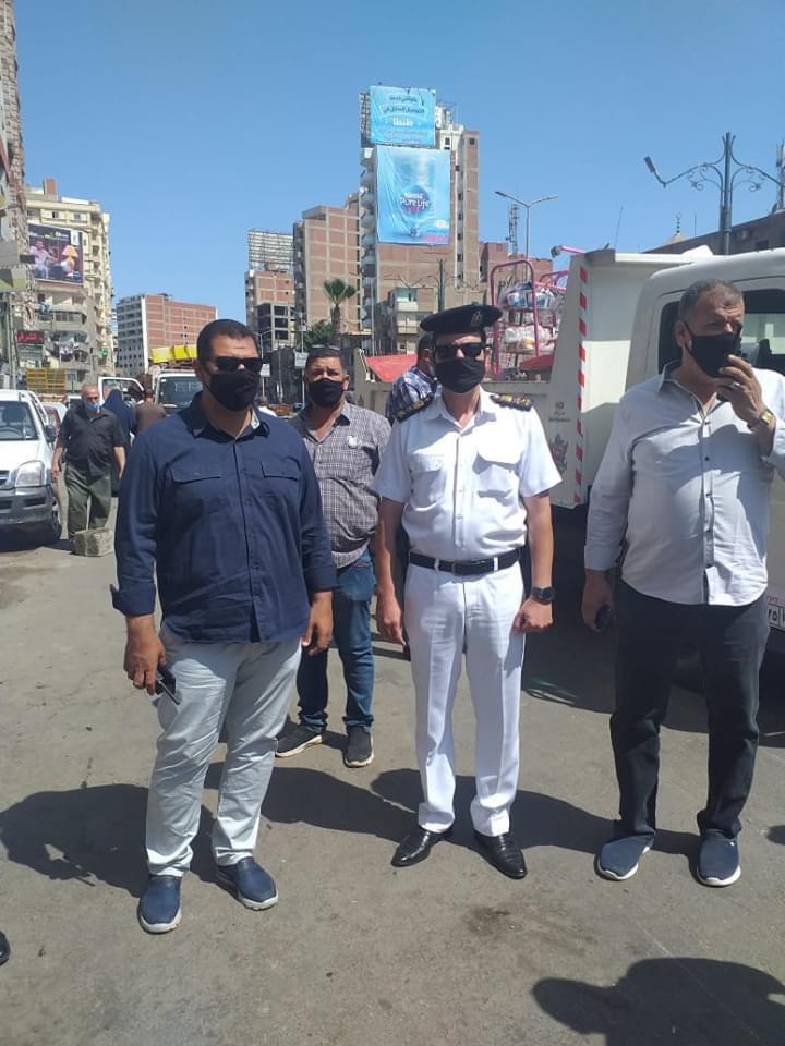 حملة مكبرة لإزالة ورفع الإشغالات بشارع الجلاء فى طنطا (3)