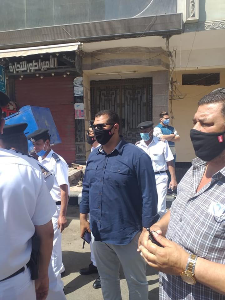 حملة مكبرة لإزالة ورفع الإشغالات بشارع الجلاء فى طنطا (2)