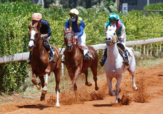 منافسة شرسة خلال السباق
