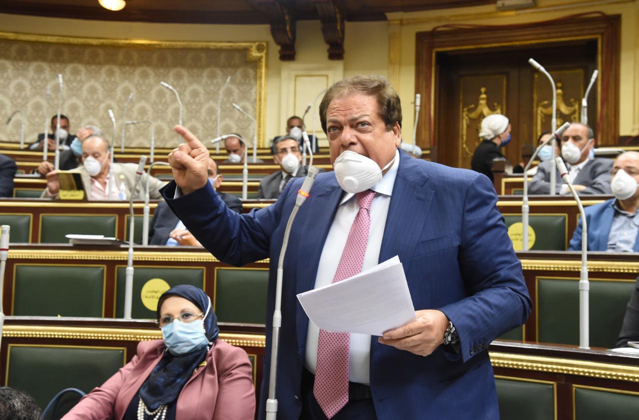رجل الأعمال النائب محمد أبو العينين