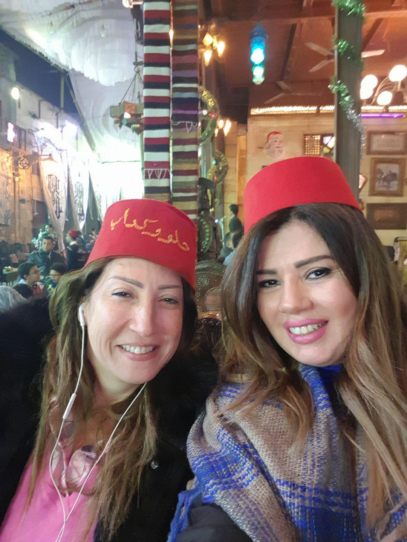 رانيا فريد شوقى مع شقيقتها عبير