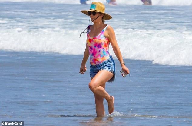 كيت هدسون على البحر
