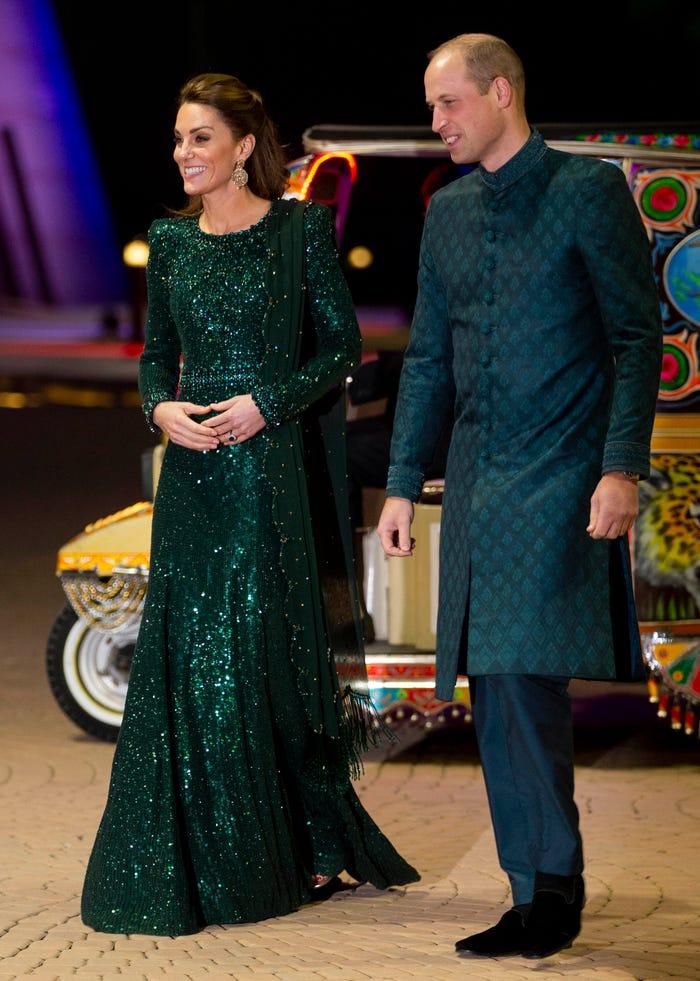 كيت ووليام باللون الأخضر