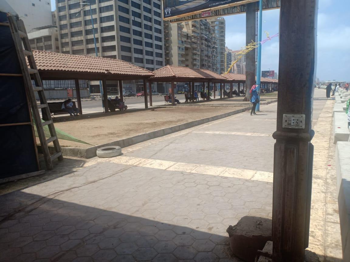 أول يوم على كورنيش الإسكندرية (3)