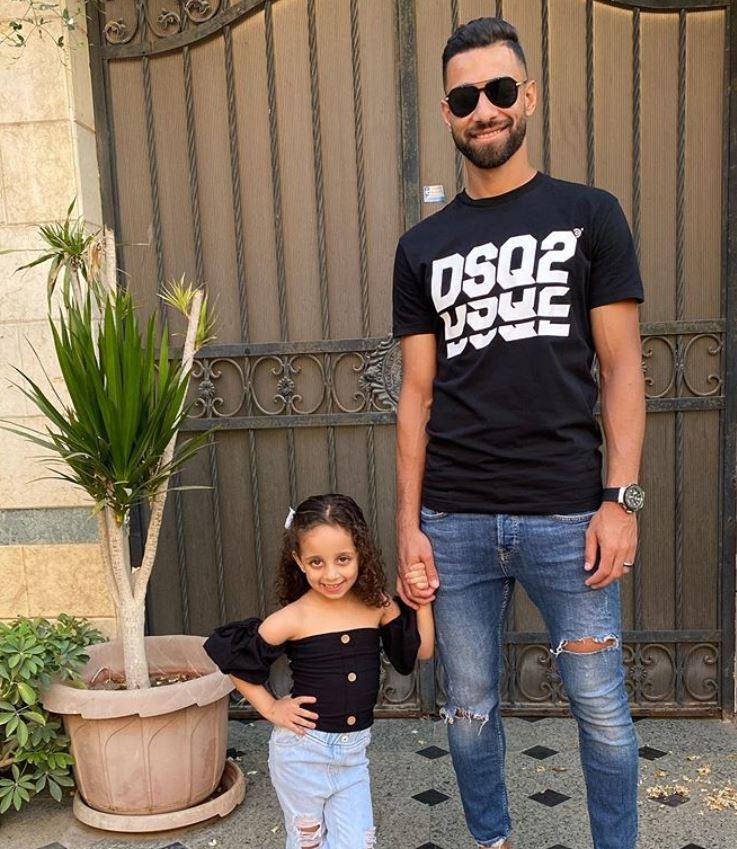 عمرو السولية مع ابنته (2)