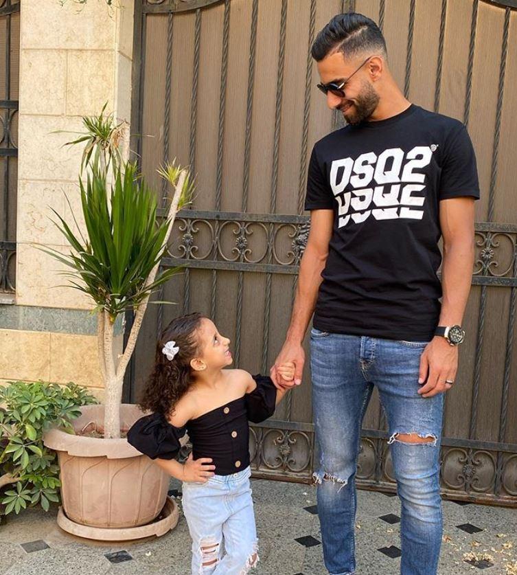 عمرو السولية مع ابنته (3)