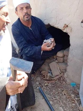 تنظيف المقابر بالأقصر من الأعمال السحرية (1)