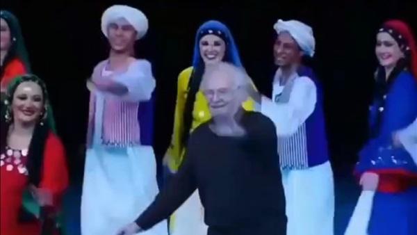 محمود رضا يرقص فى اخر ظهور له