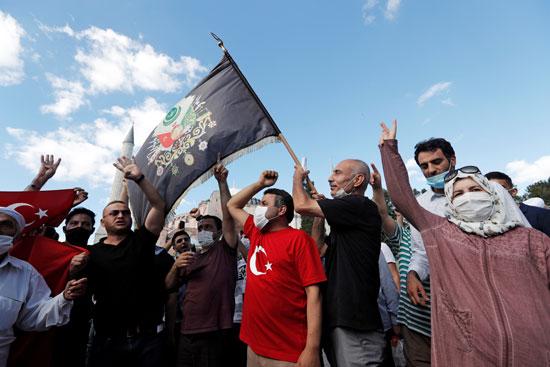 احتفال انصار اردوغان لتحويل متحف وكنيسة آيا صوفيا إلى مسجد