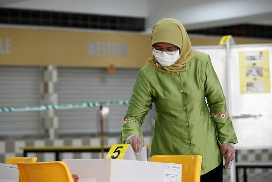 التصويت فى الانتخابات العامة