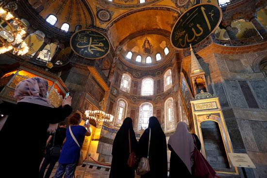 متحف وكنيسة آيا صوفيا من الداخل