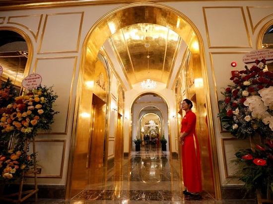 الفندق الذهبي