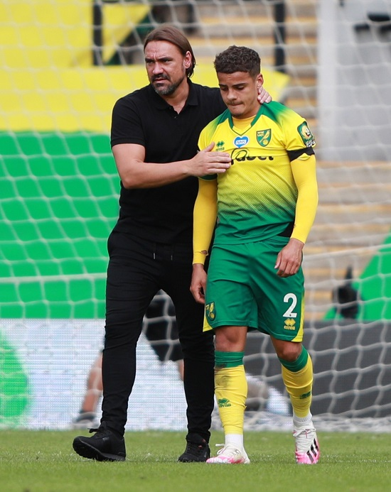 فاركي مع لاعبه