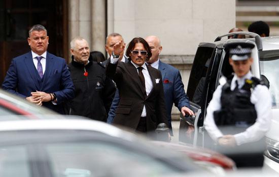 لحظات وصول جونى ديب للمحكمة