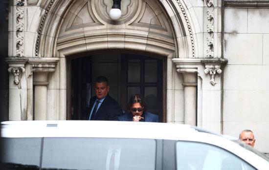 وصول جونى ديب لمقر المحكمة