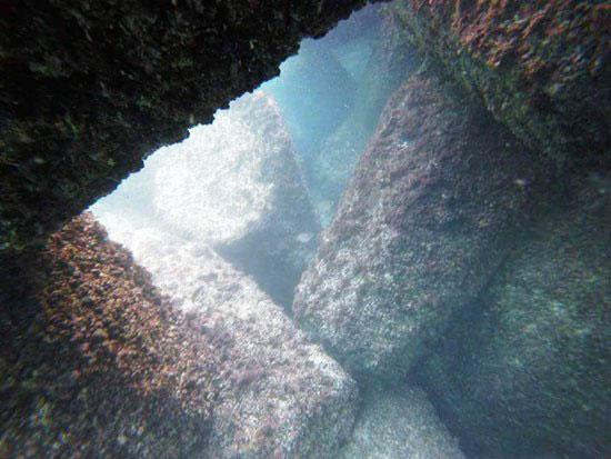 حواجز-الامواج-أسفل-شاطئ-النخيل-(5)
