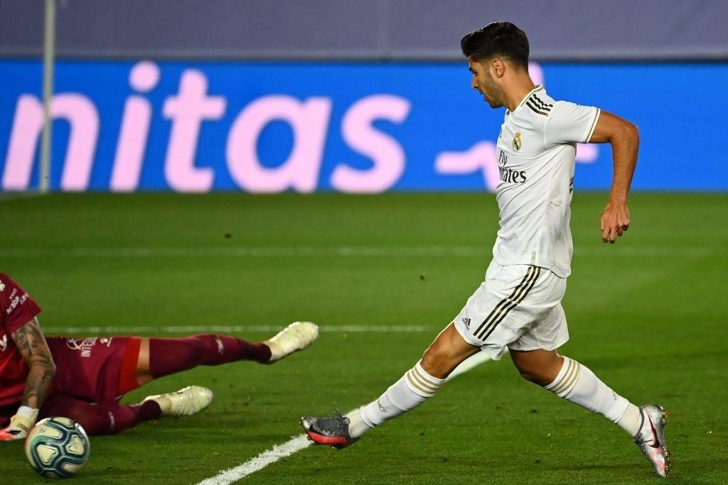 لحظة تسجيل اسينسيو هدف ريال مدريد الثانى