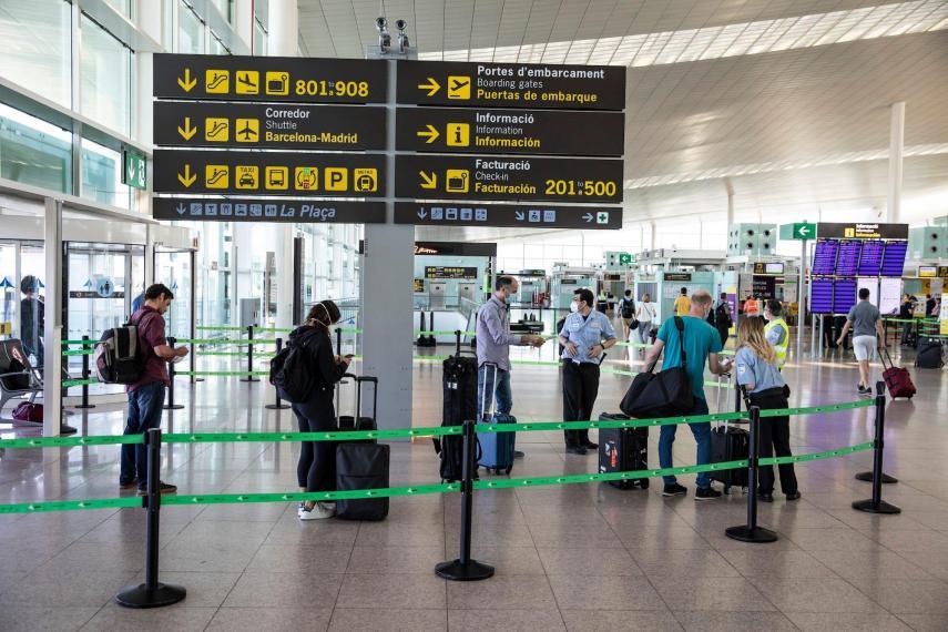 مطار برات ببرشلونة يستقبل السياح