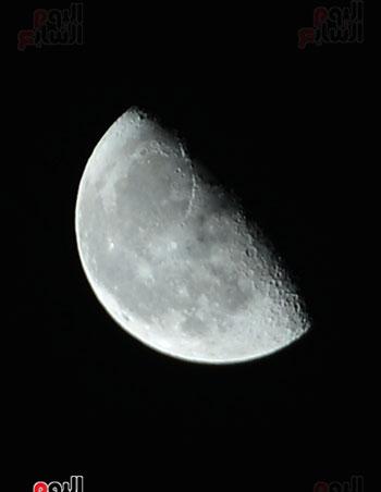 القمر قرب كوكب المريخ  (1)