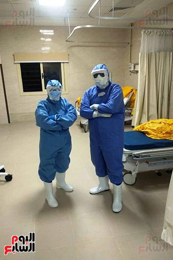 الأطقم الطبية بعزل بلطيم يواصلون العمل لخدمة حالات كورونا (17)