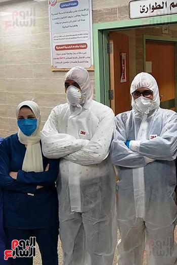 الأطقم الطبية بعزل بلطيم يواصلون العمل لخدمة حالات كورونا (13)