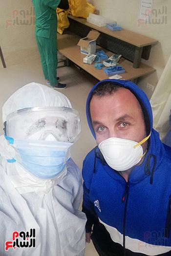 الأطقم الطبية بعزل بلطيم يواصلون العمل لخدمة حالات كورونا (19)