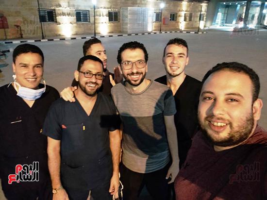 الأطقم الطبية بعزل بلطيم يواصلون العمل لخدمة حالات كورونا (24)