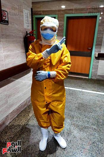 الأطقم الطبية بعزل بلطيم يواصلون العمل لخدمة حالات كورونا (16)