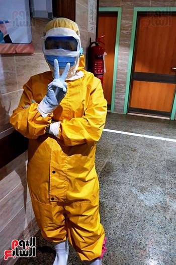 الأطقم الطبية بعزل بلطيم يواصلون العمل لخدمة حالات كورونا (10)