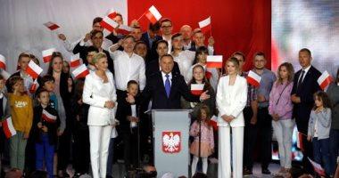 رئيس بولندا وسط أنصاره