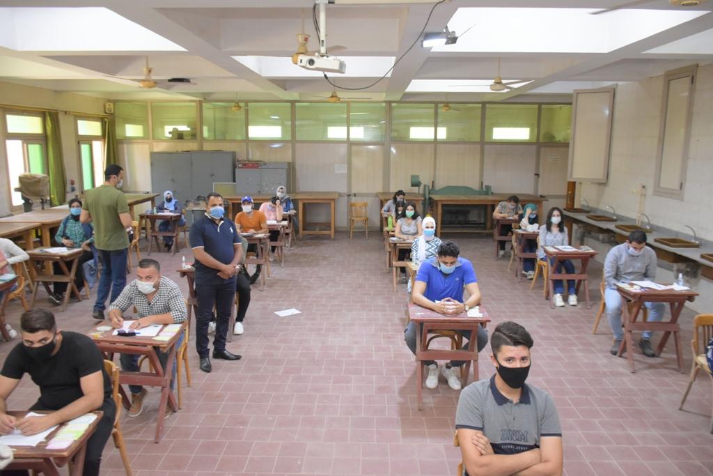 جامعة القاهرة تواصل امتحانات الفصل الدراسي الثاني