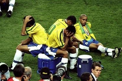 حسرة لاعبى البرازيل