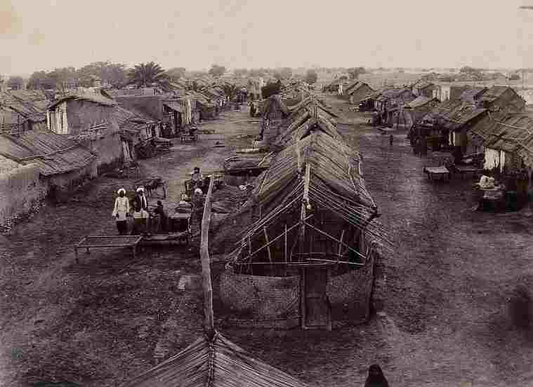 1200px-A_segregation_camp_during_bubonic_plague_outbreak_Karachi_Wellcome_V0029274