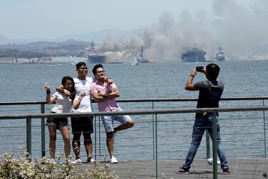 صورة تذكارية من الحريق