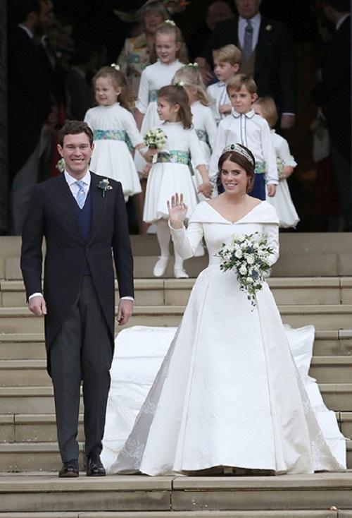 فستان زفاف الأميرة أوجيني